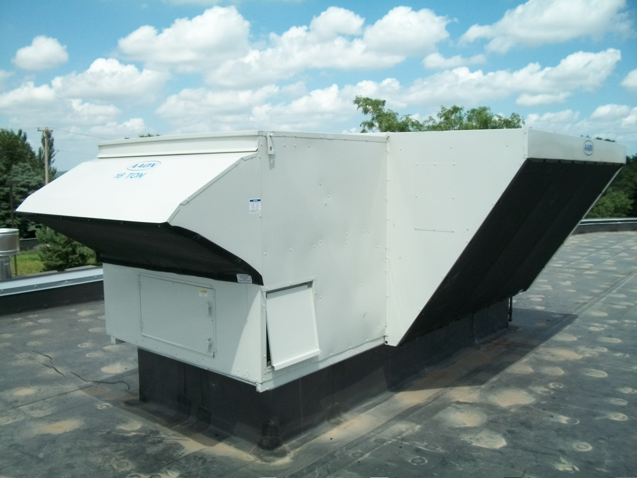 AHU Intake Screens (commonly called cottonwood filter screens, equipment protection pre-filters, ) are attached to the intake hoods to stop airborne debris at its point of entry - increasing the service life of internal filters by up to 60%